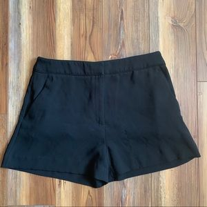 H&M Black Zip Up Shorts With Pockets Size 10